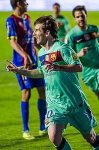 Messi_-_Levante_UD_vs_FC_Barcelona_-_Carlos_RM-198x300
